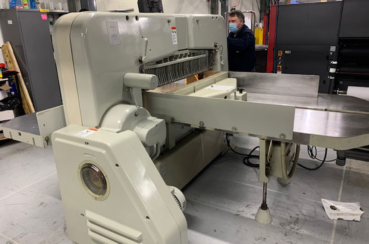 """Used Polar 45"""" 115 CE Paper Cutter Thumnail Photo Three"""